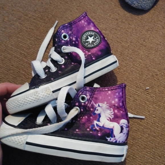 0b976595a7 Converse Other - Converse girls 5 Unicorn and Galaxy high tops EUC